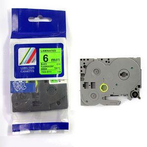 Utángyártott szalag Brother TZ-D11/TZe-D11, rikítós 6mm x 8m, fekete nyomtatás/zöld alapon kép